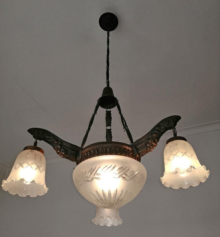 Art Deco & Art Nouveau in Degué Style Cut Glass 4-Light Chandelier, circa 1920 For Sale 2