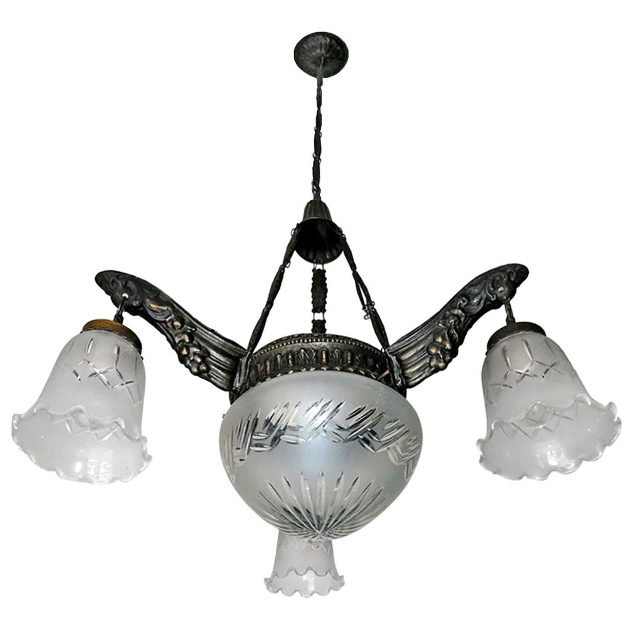 Art Deco & Art Nouveau in Degué Style Cut Glass 4-Light Chandelier, circa 1920