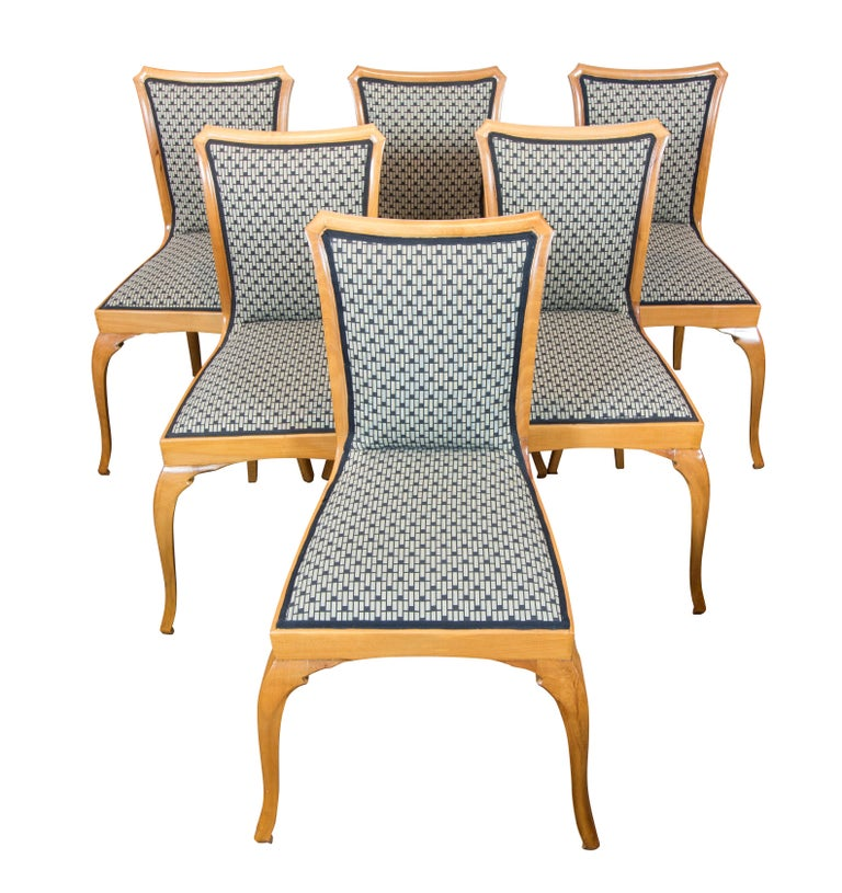 Very nice set, consisting of extendable table and 6 chairs. The set dates from the Art Deco / Art Nouveau period, circa 1915 and is made of solid pear wood. The chairs are newly upholstered.  The table can be extended by 35 cm and another 45 cm.