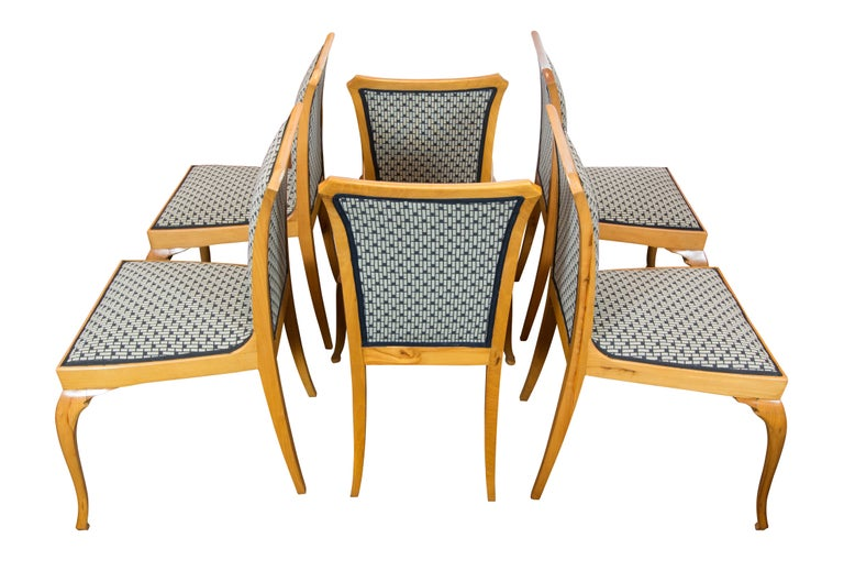 German Art Deco / Art Nouveau Pearwood Dinning Set: Table and Set of Six Chairs For Sale