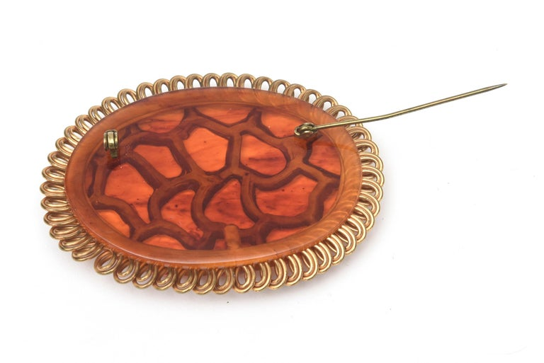 Art Deco Bakelite and Brass Carved Oval Pin Brooch For Sale 4