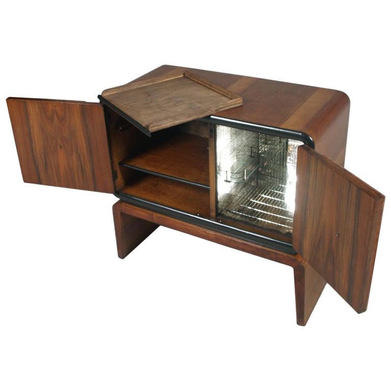 Art Deco Bar Cabinet in Burl Walnut, Guglielmo Urlich Attributed, circa 1930 For Sale 1