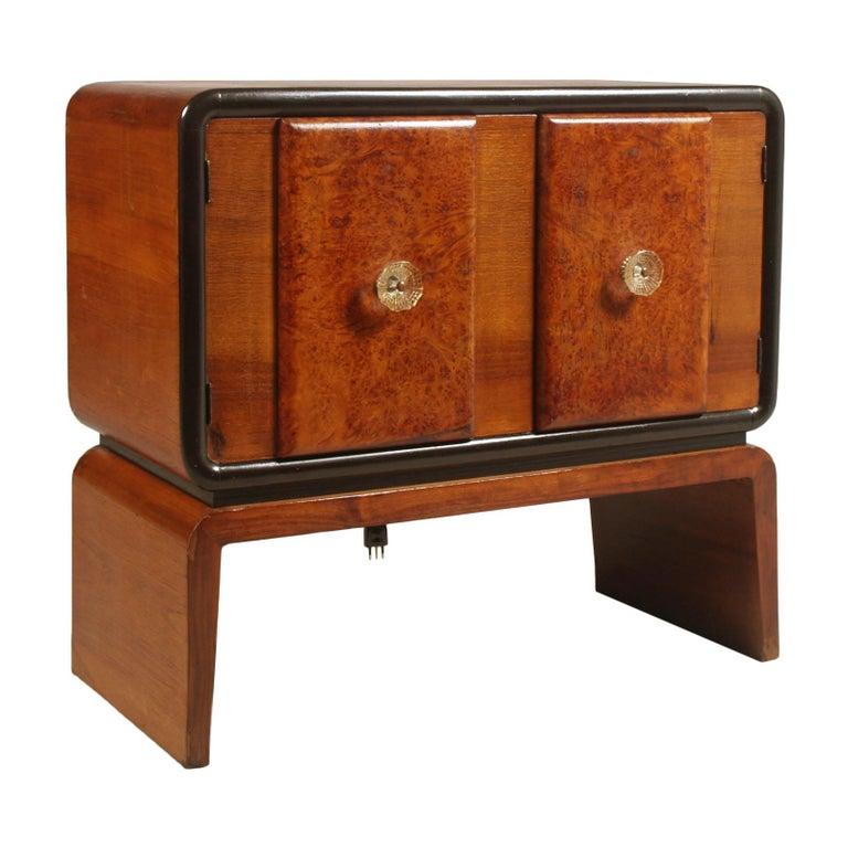 Art Deco Bar Cabinet in Burl Walnut, Guglielmo Urlich Attributed, circa 1930 For Sale