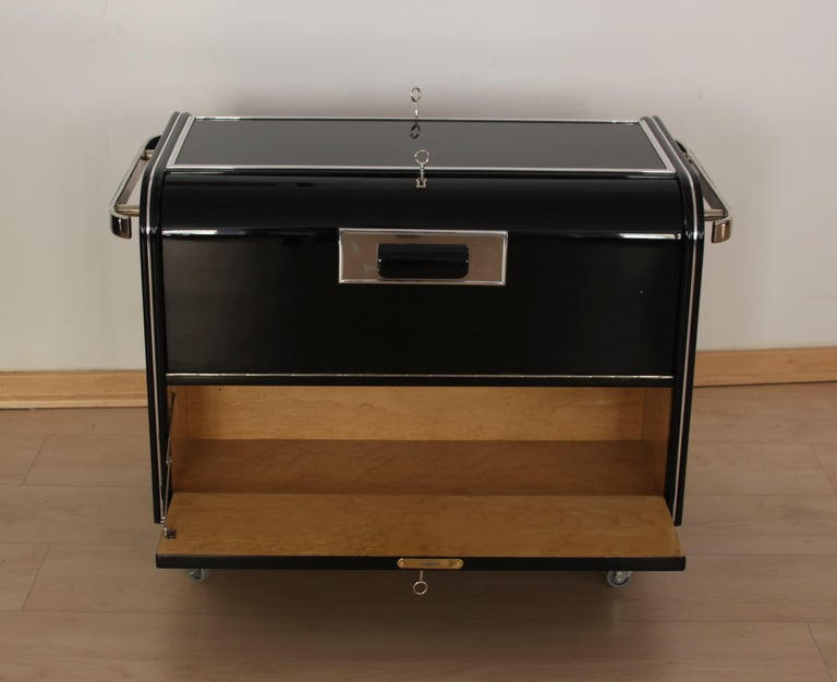 Blackened Mobile Art Deco Bar, Black Piano Lacquer, Maple and Chrome, France circa 1930 For Sale