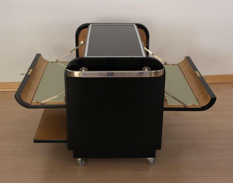 Mobile Art Deco Bar, Black Piano Lacquer, Maple and Chrome, France circa 1930 In Good Condition For Sale In Regensburg, DE
