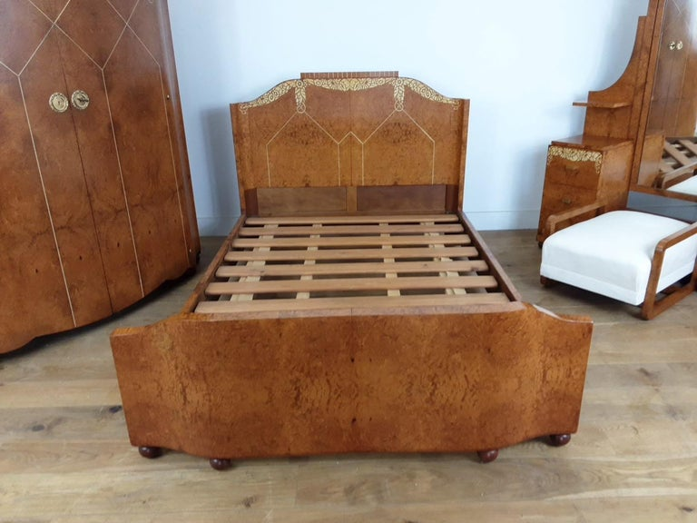 French Art Deco Bedroom Suite by Mercier Freres in Satin Maple with Inlaid Floral Motif For Sale