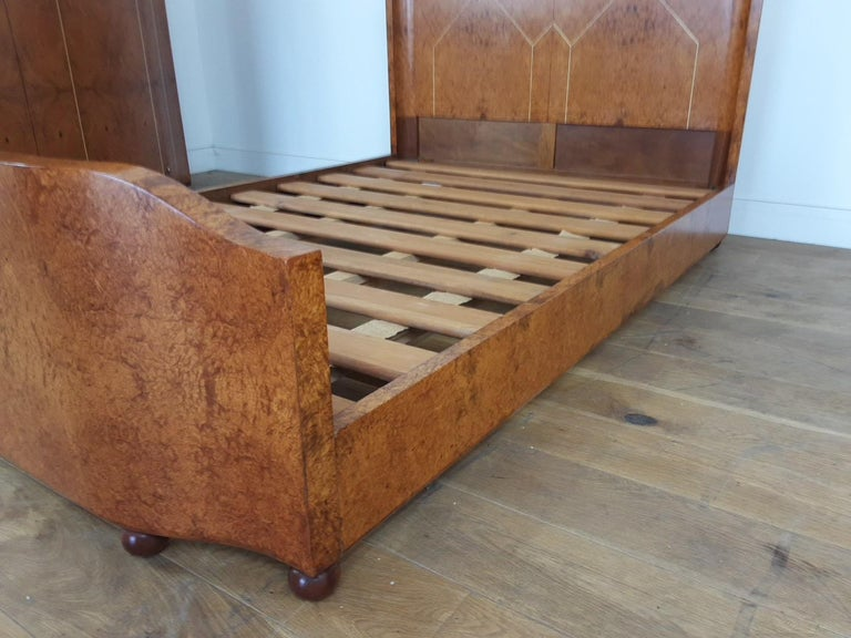 Art Deco Bedroom Suite by Mercier Freres in Satin Maple with Inlaid Floral Motif In Good Condition For Sale In London, GB