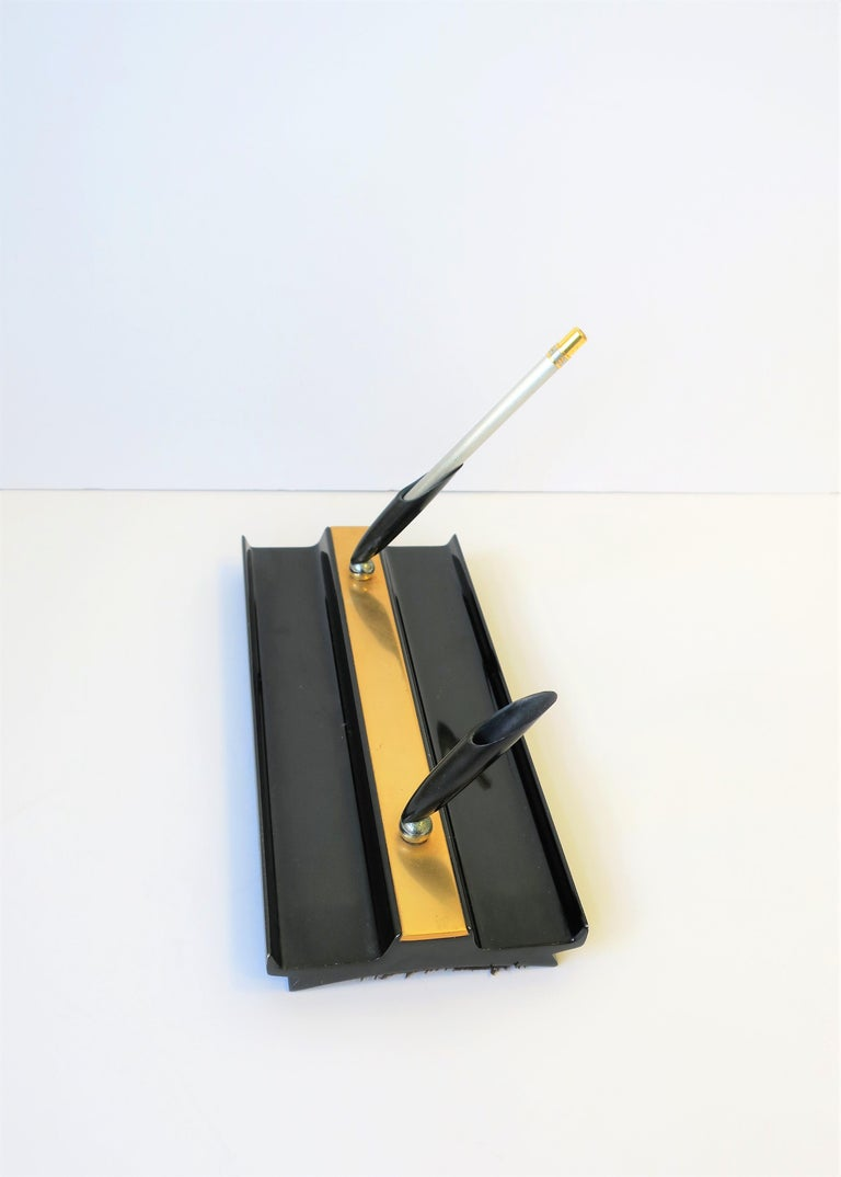 Late 20th Century Art Deco Black and Gold Desk Pen Holder For Sale