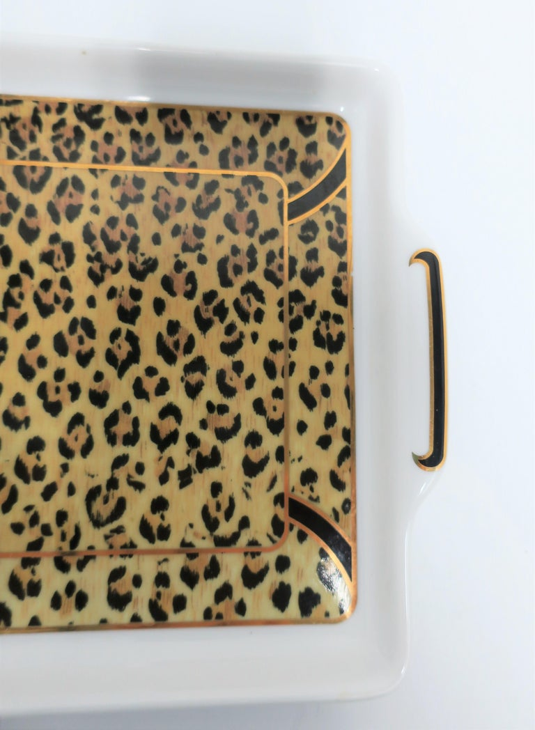 Leopard Cat Porcelain Serving Tray in Black and Gold, ca. 1990s For Sale 3