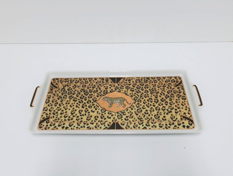 Leopard Cat Porcelain Serving Tray in Black and Gold, ca. 1990s For Sale 1