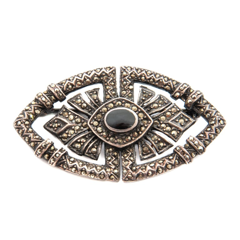 Art Deco Onyx Marcasite Openwork Sterling Silver Brooch In Good Condition For Sale In Rotterdam, NL
