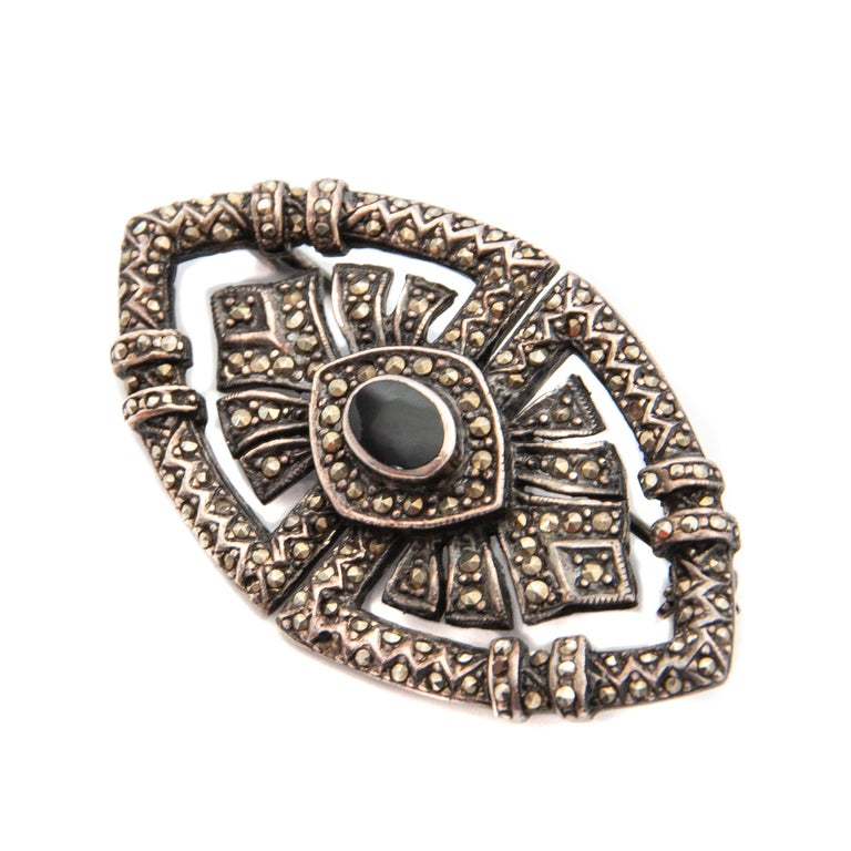 Art Deco Onyx Marcasite Openwork Sterling Silver Brooch For Sale 2