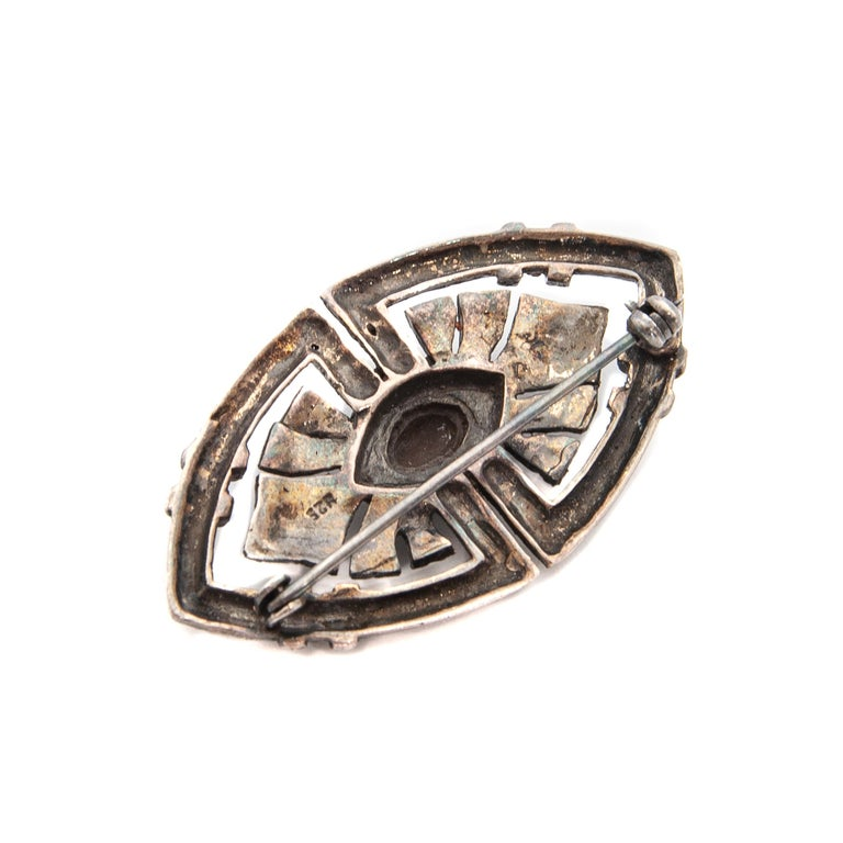 Art Deco Onyx Marcasite Openwork Sterling Silver Brooch For Sale 4