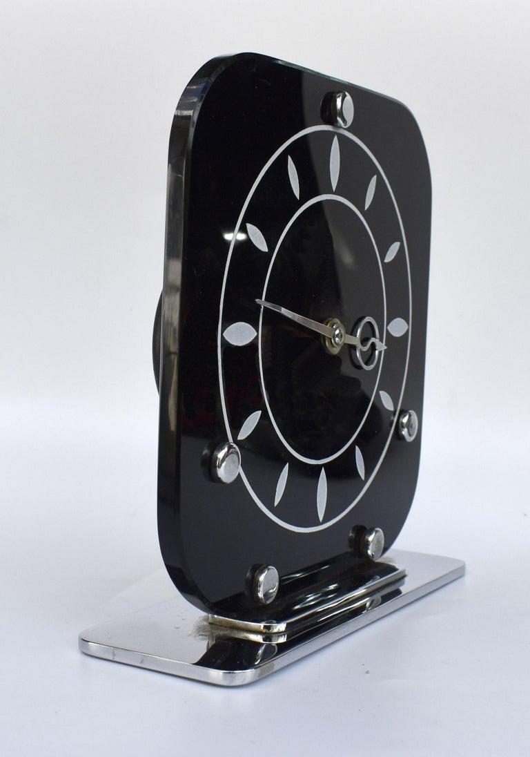 Art Deco Black Vitrolite & Chrome Mantle Clock, English, c1930 In Good Condition For Sale In Devon, England
