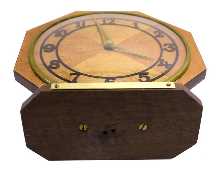 20th Century Art Deco Blonde Maple Mantle Clock, circa 1930s For Sale