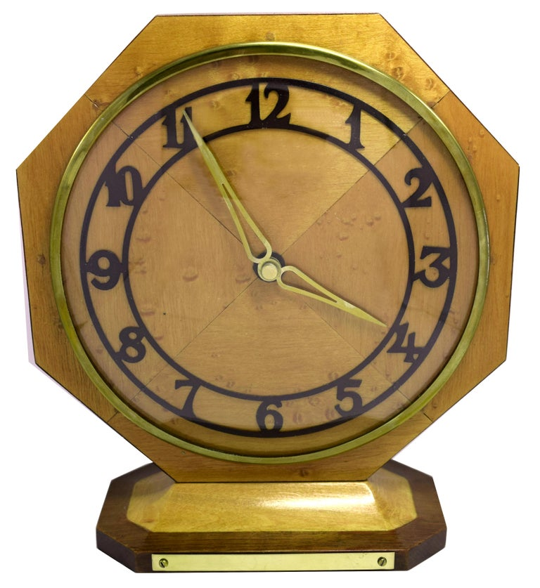 Art Deco Blonde Maple Mantle Clock, circa 1930s For Sale 1
