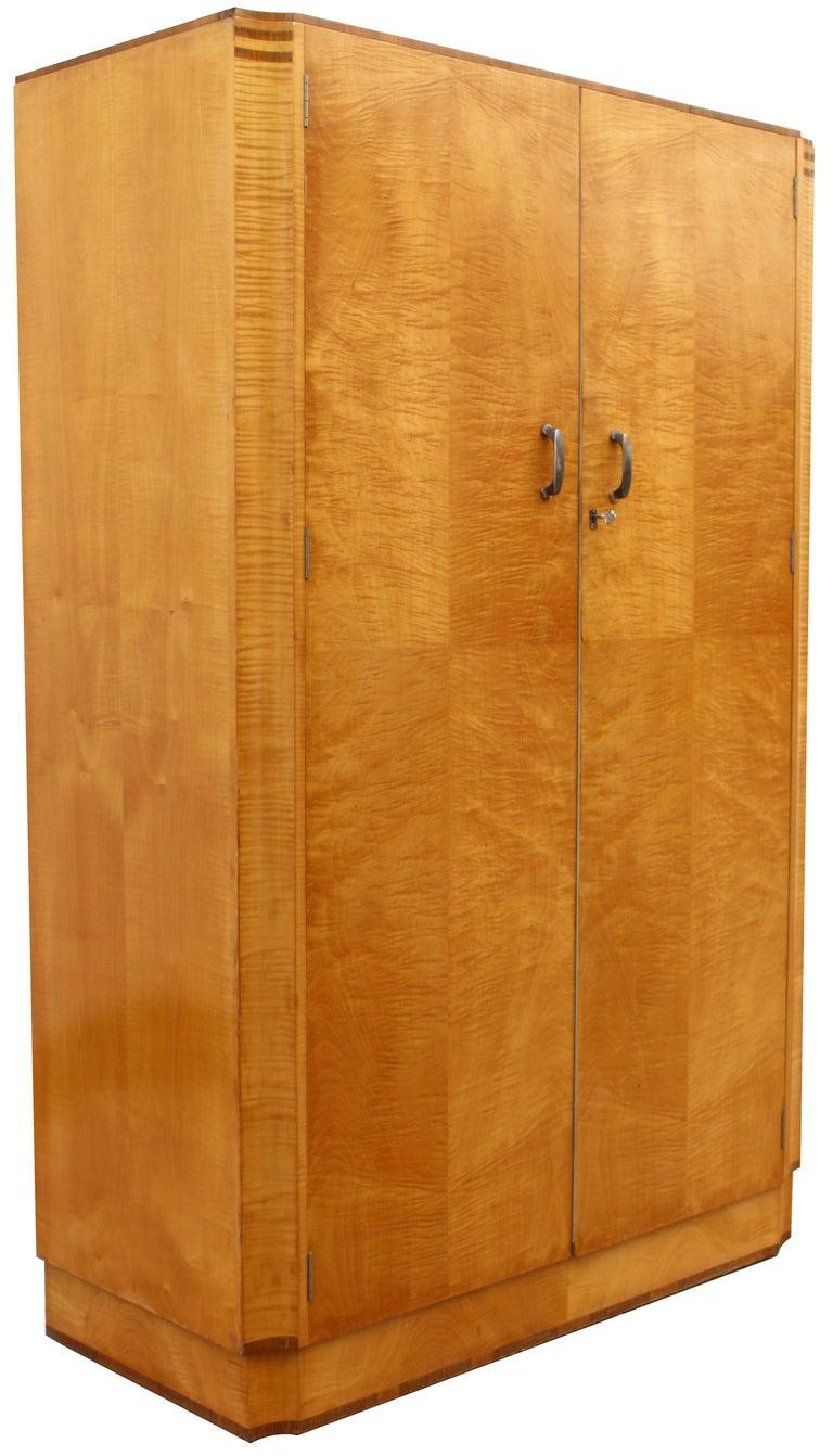 Art Deco Blonde Tiger Grain Birch Double Wardrobe, circa 1930 For Sale 2