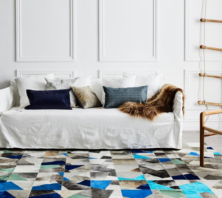 The luxurious Faceta is a sumptuous, elevated statement piece. With its fragmented proportions and tonal, unexpected, irregular shapes, this is covetable style defined.  The Faceta is created from premium quality cowhide leather, sourced as a