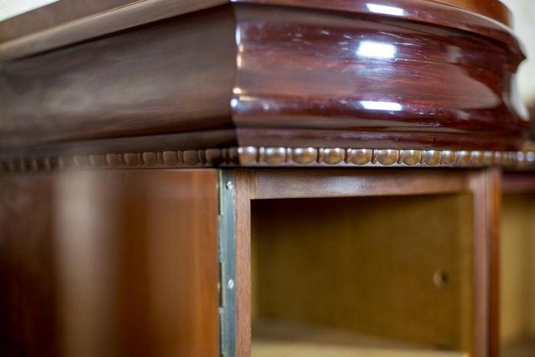 Art Deco Bookcase Veneered with Mahogany, circa 1920-1930 For Sale 2