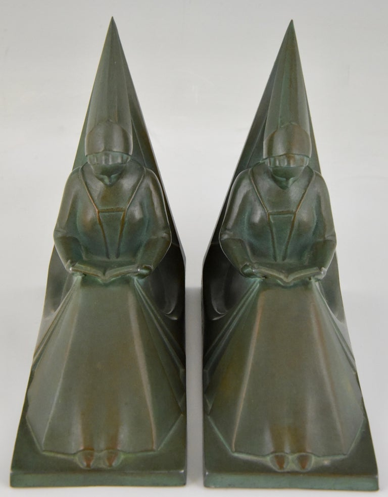 French Art Deco Bookends Reading Medieval Ladies Max Le Verrier, France, 1930 For Sale