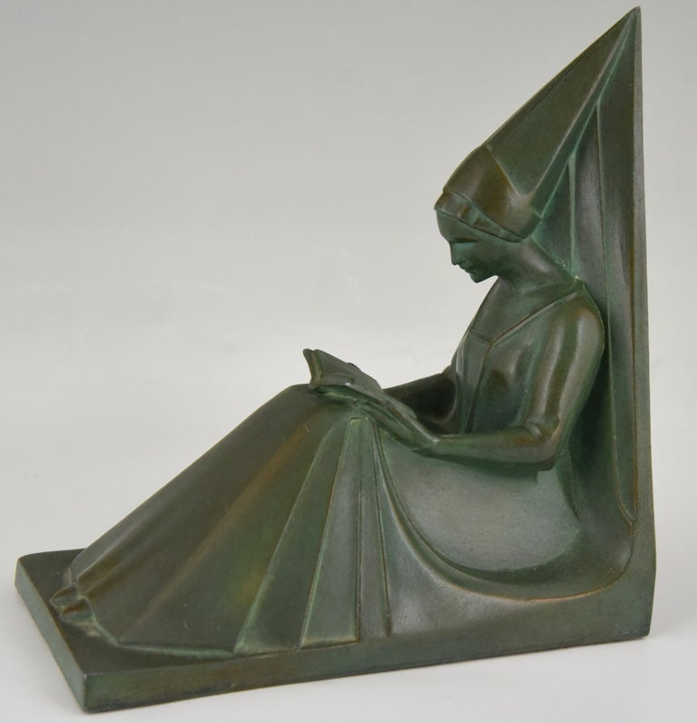 Metal Art Deco Bookends Reading Medieval Ladies Max Le Verrier, France, 1930 For Sale