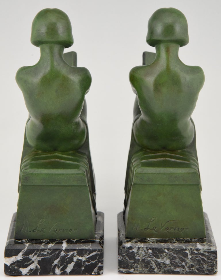 Art Deco Bookends Reading Nudes Delassement Max Le Verrier, France, 1930 In Good Condition In Antwerp, BE