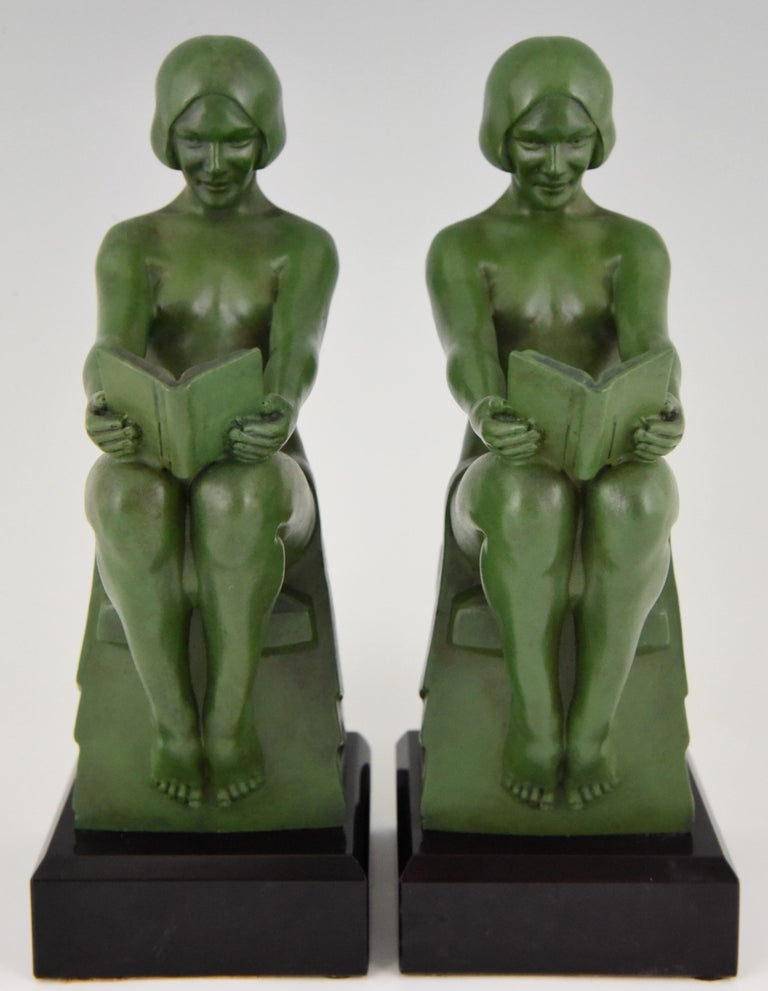 Patinated Art Deco Bookends Reading Nudes Max Le Verrier France 1930 Art Meal Green Patina For Sale