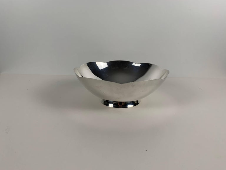 American Art Deco Bowl by Tiffany & Co., New York, Sterling Silver, 1920-40s For Sale