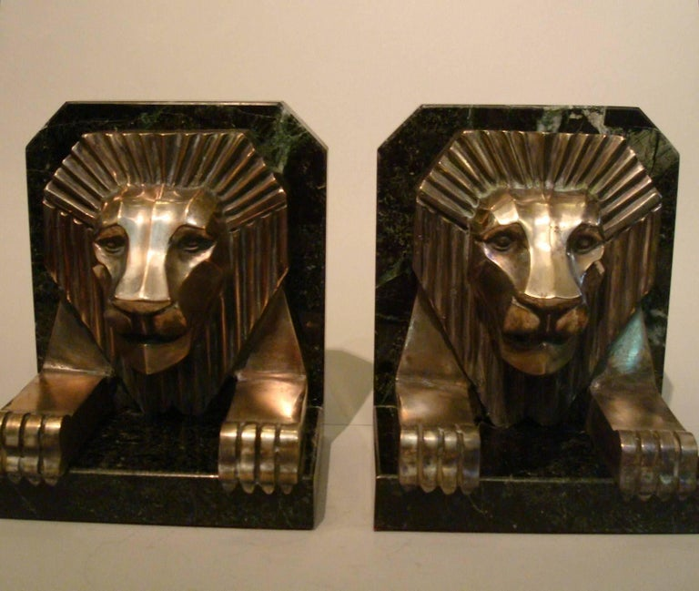 Art Deco Bronze and Marble Lion Bookends, Jacques Cartier, France, 1925 For Sale 1