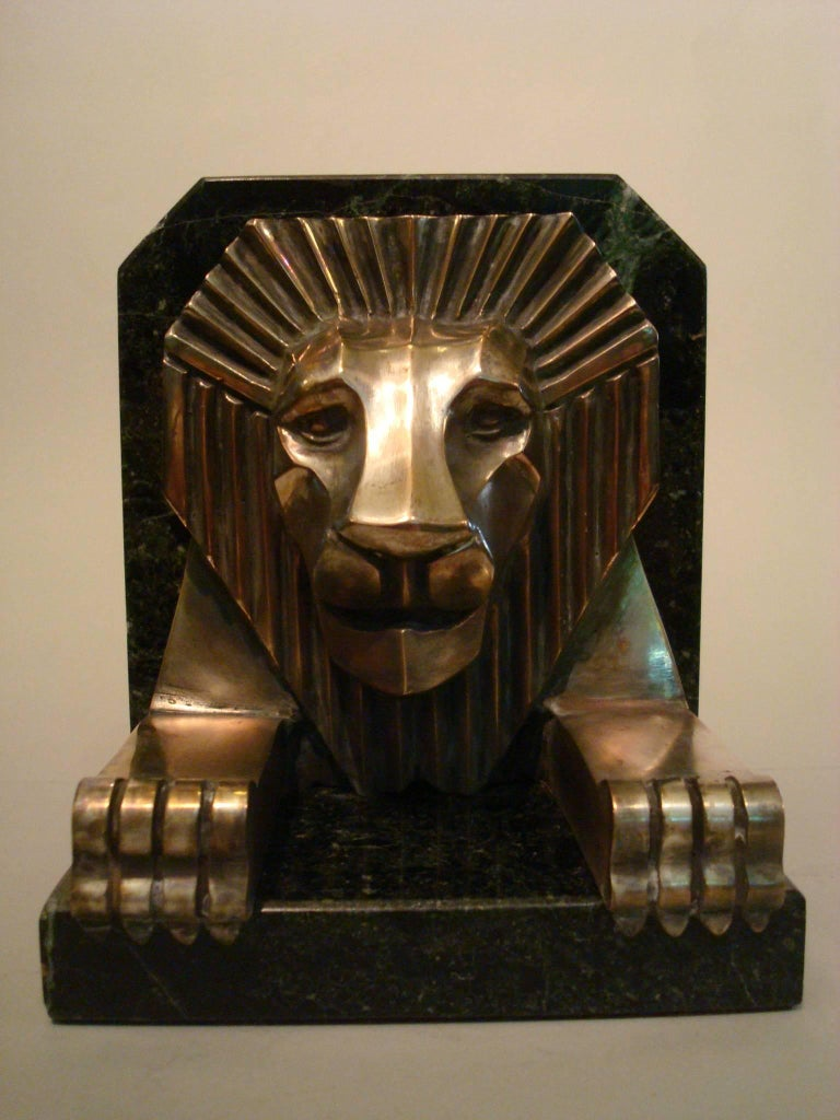 Art Deco Bronze and Marble Lion Bookends, Jacques Cartier, France, 1925 For Sale 2