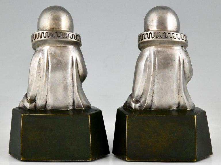 Patinated Art Deco Bronze Bookends Little Pierrots by Jean de La Fontinelle 1925 For Sale