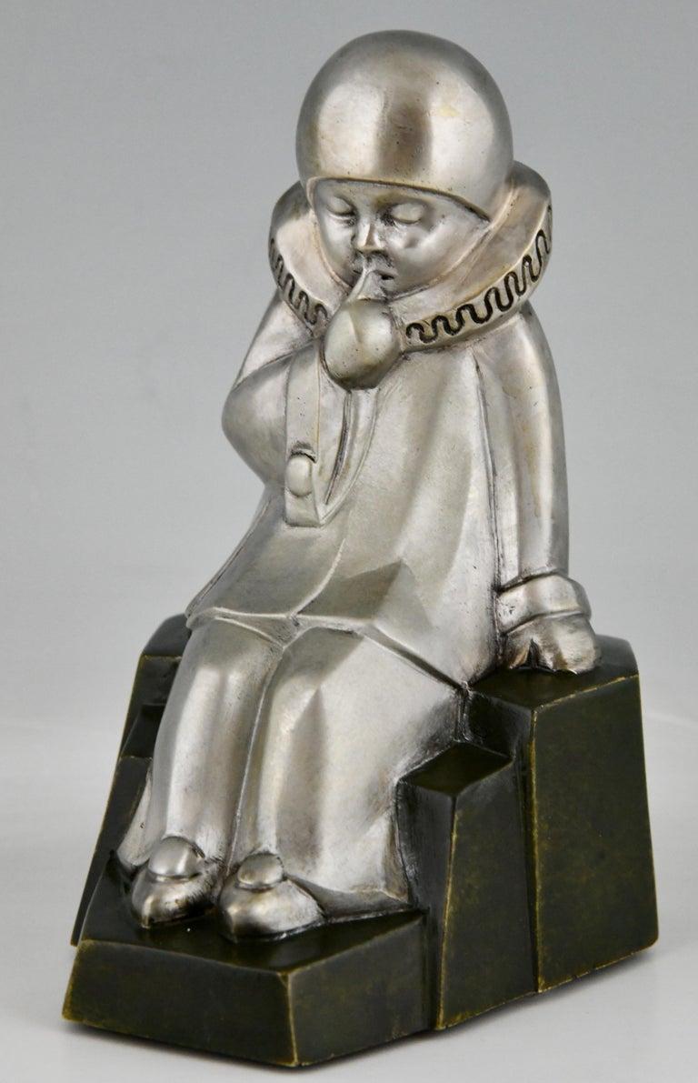 Art Deco Bronze Bookends Little Pierrots by Jean de La Fontinelle 1925 For Sale 3