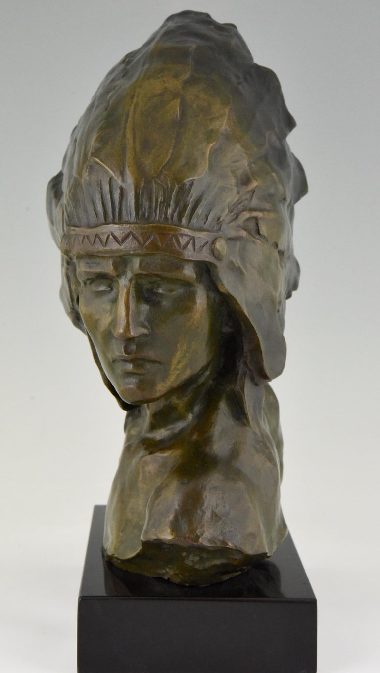 20th Century Art Deco Bronze Bust of an Indian with Headdress Louis Sosson, France, 1930 For Sale