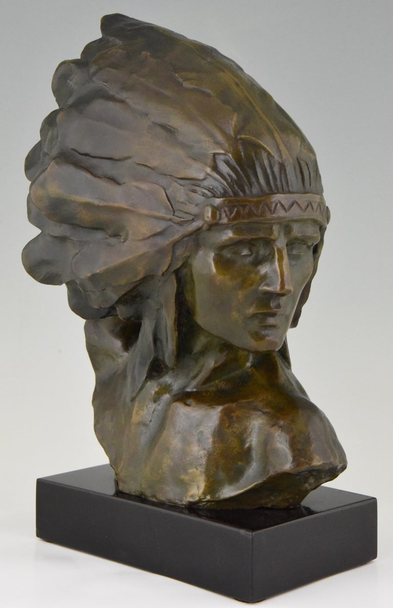 Art Deco Bronze Bust of an Indian with Headdress Louis Sosson, France, 1930 For Sale 1