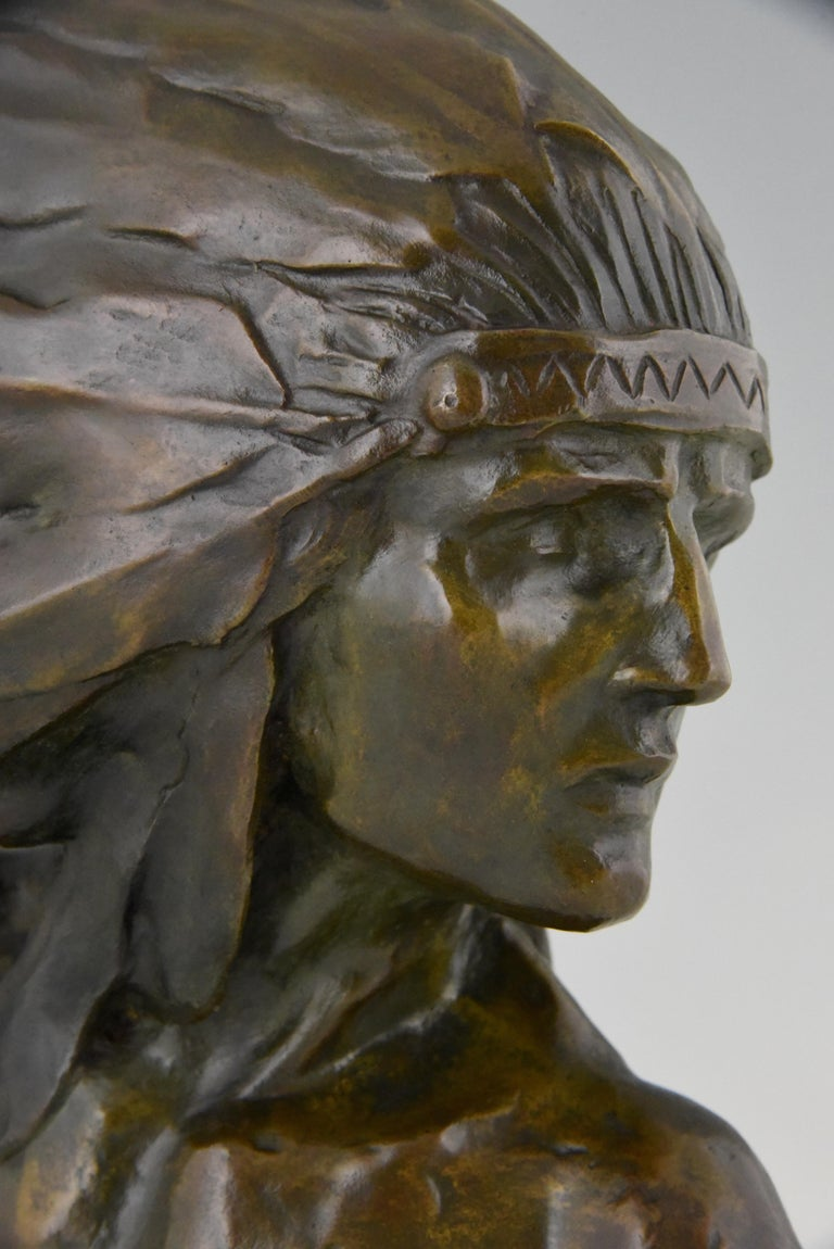 Art Deco Bronze Bust of an Indian with Headdress Louis Sosson, France, 1930 For Sale 2