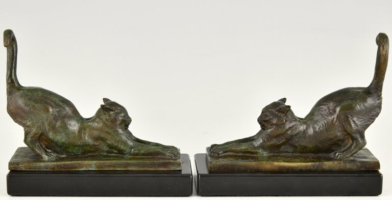 Art Deco Bronze Cat Bookends by Louis Riche, France, 1920 In Good Condition For Sale In Antwerp, BE
