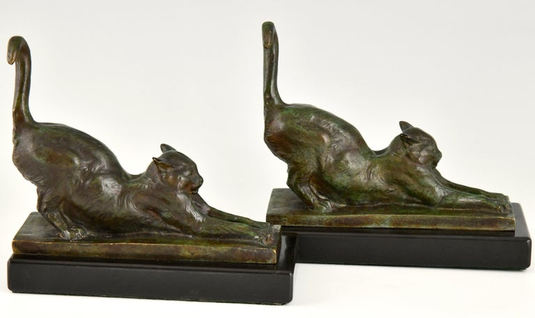 Art Deco Bronze Cat Bookends by Louis Riche, France, 1920 For Sale 4