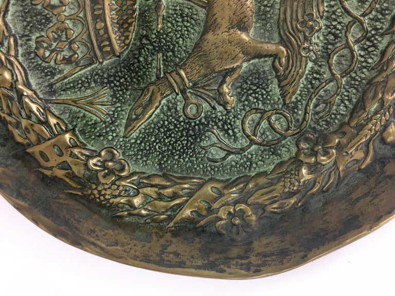 Bronze vide poche or decorative dish sculpted and cast by Max Le Verrier, this example has an intentional