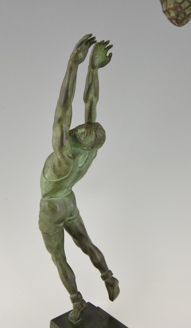 Art Deco Bronze Sculpture Basketball Player Reverse Dunk G. E. Mardini, France For Sale 5