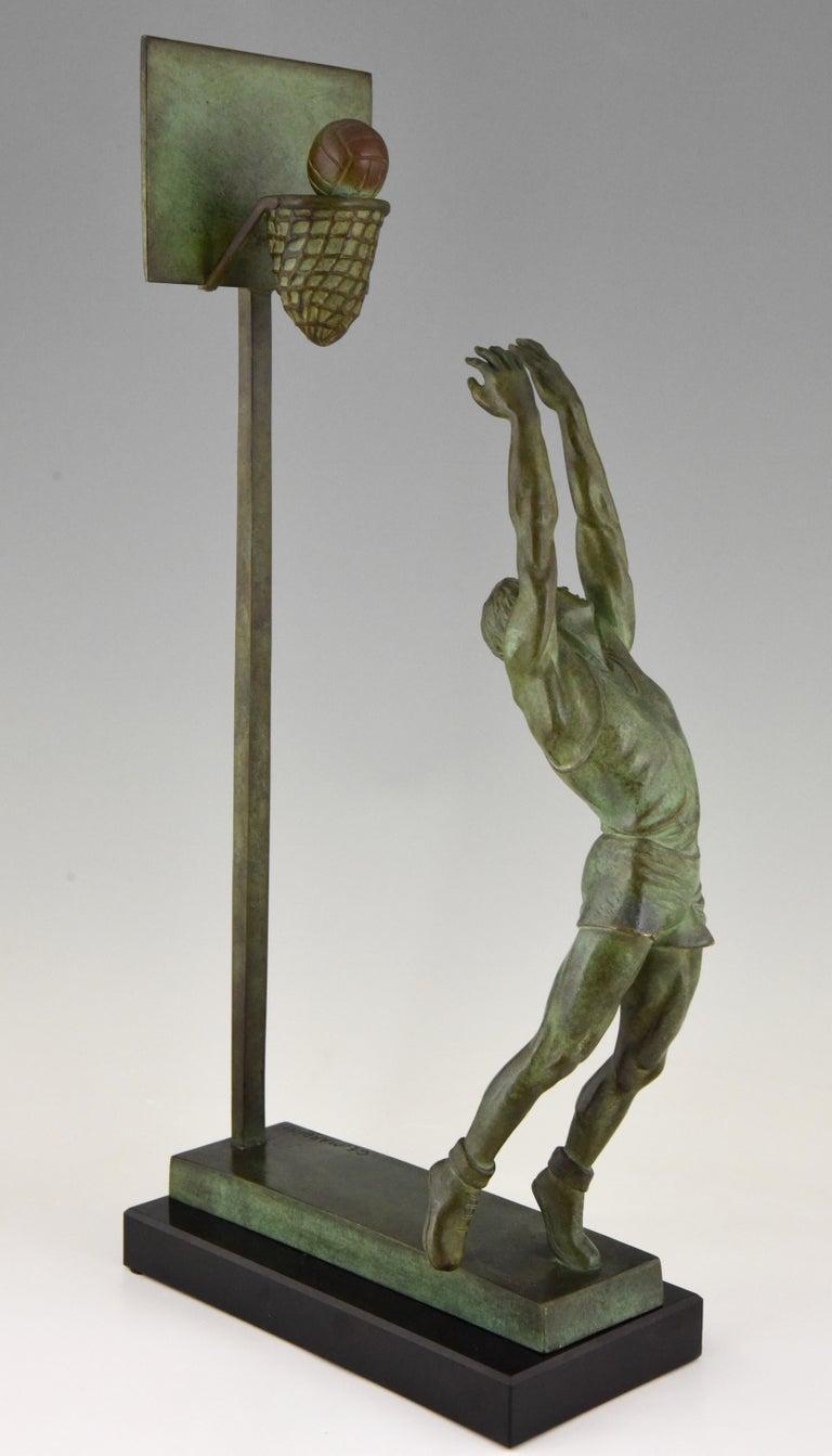 20th Century Art Deco Bronze Sculpture Basketball Player Reverse Dunk G. E. Mardini, France For Sale