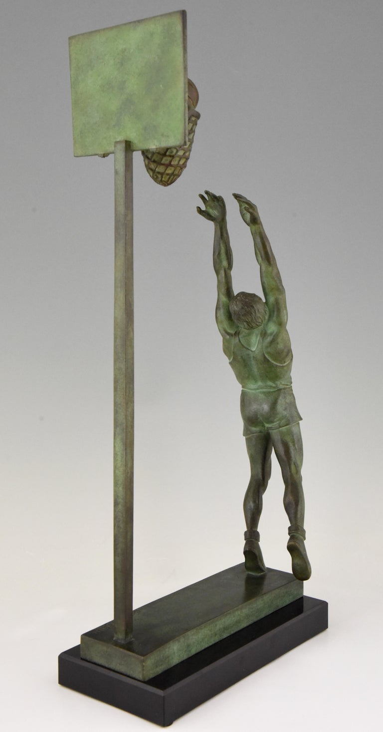 Art Deco Bronze Sculpture Basketball Player Reverse Dunk G. E. Mardini, France For Sale 2