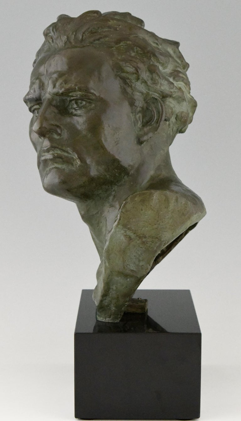 Art Deco Bronze Sculpture Male Bust Ugo Cipriani, France, 1930 In Good Condition For Sale In Antwerp, BE