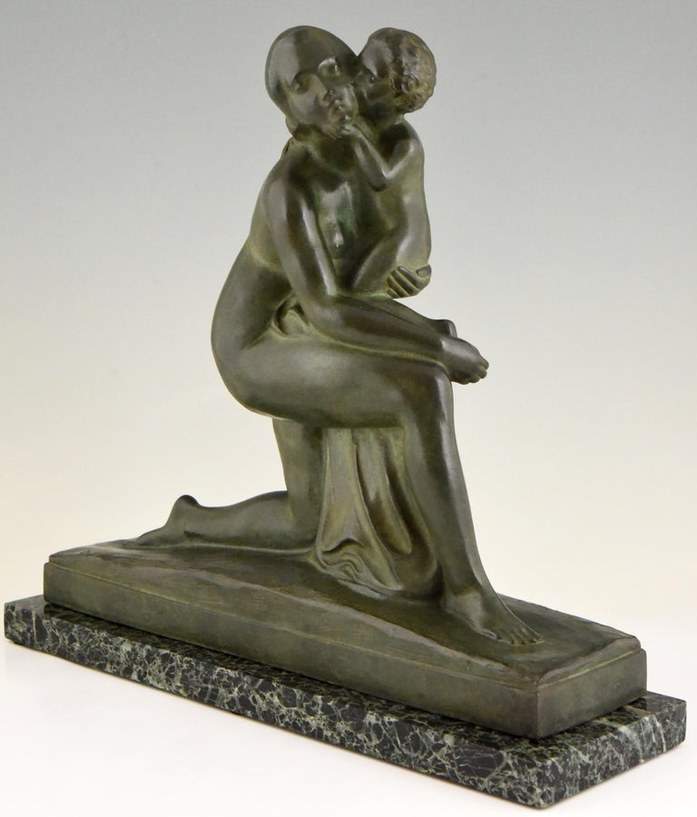 French Art Deco Bronze Sculpture Mother and Child Motherhood André Huguenin Dumittan For Sale