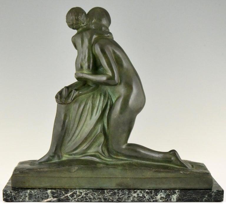 Art Deco Bronze Sculpture Mother and Child Motherhood André Huguenin Dumittan In Good Condition For Sale In Antwerp, BE