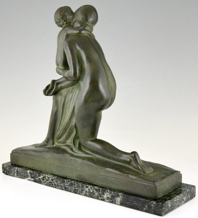 Mid-20th Century Art Deco Bronze Sculpture Mother and Child Motherhood André Huguenin Dumittan For Sale