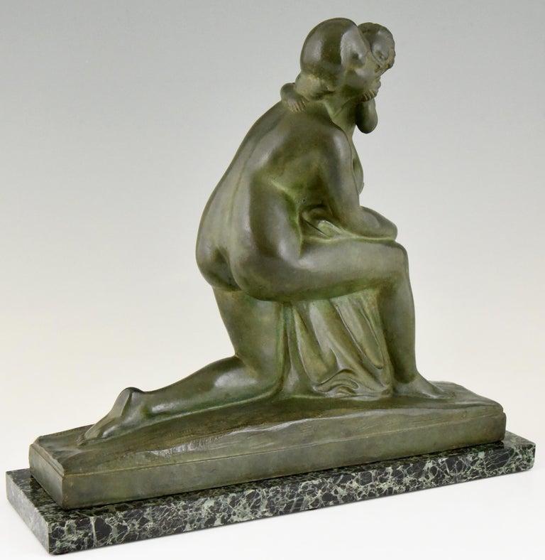 Art Deco Bronze Sculpture Mother and Child Motherhood André Huguenin Dumittan For Sale 2