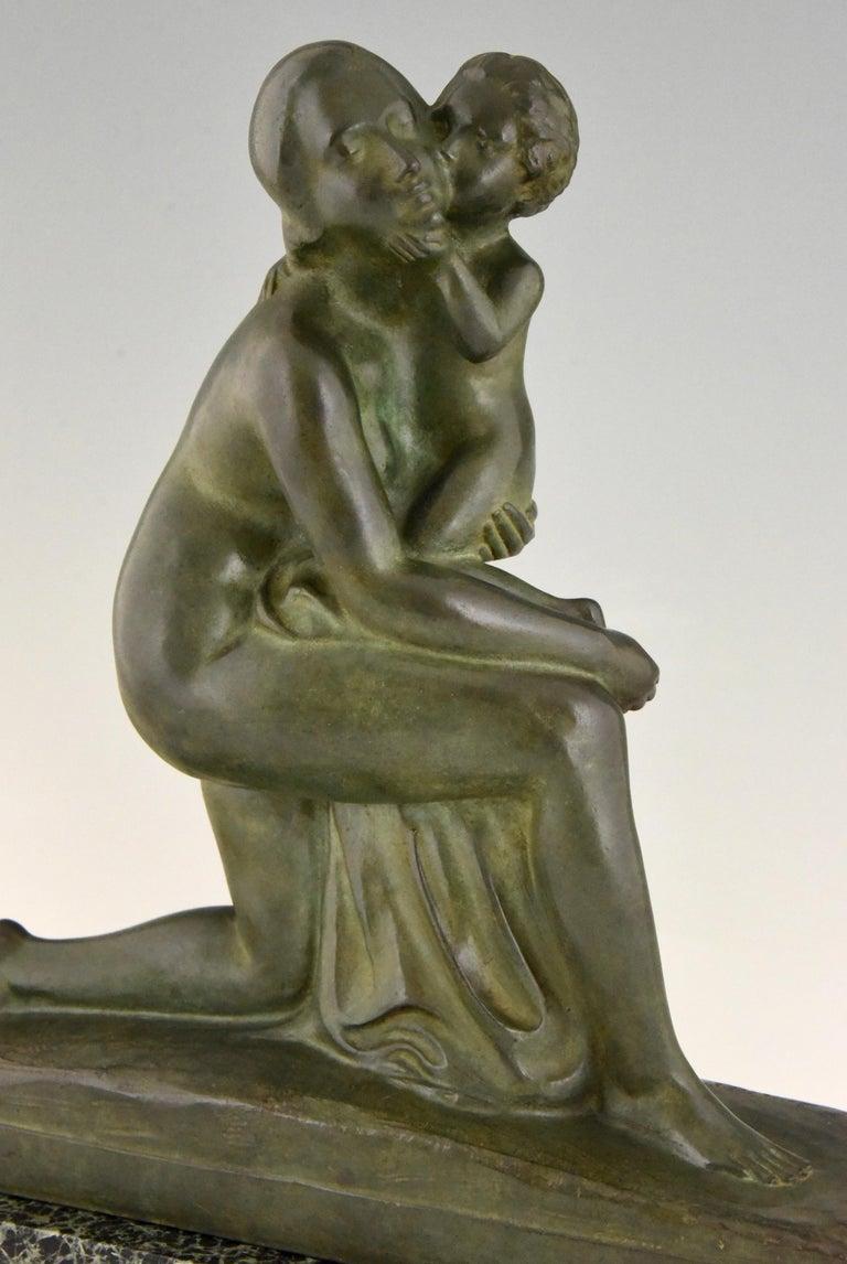 Art Deco Bronze Sculpture Mother and Child Motherhood André Huguenin Dumittan For Sale 3