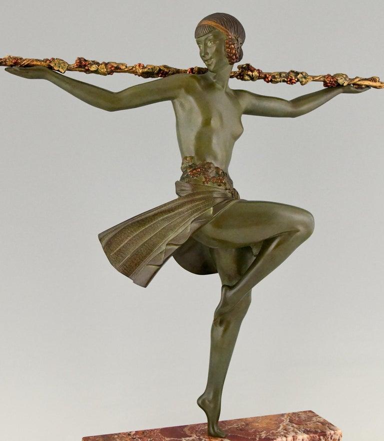 Art Deco Bronze Sculpture Nude Dancer with Thyrsus Pierre Le Faguays, 1930 For Sale 3