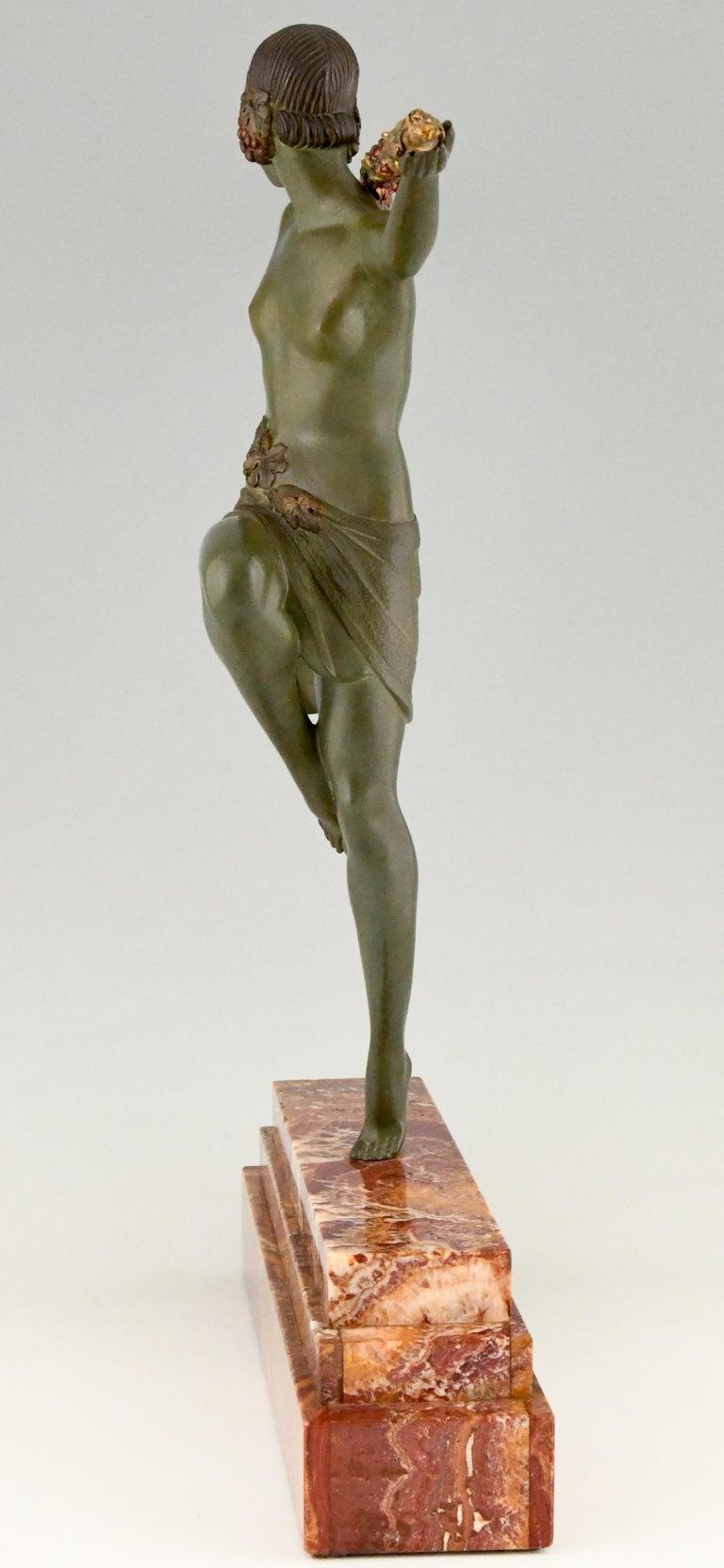 Art Deco Bronze Sculpture Nude Dancer with Thyrsus Pierre Le Faguays, 1930 For Sale 1