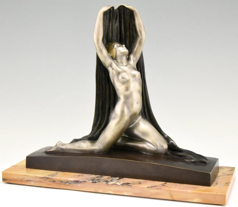 French Art Deco Bronze Sculpture Nude with Drape F. Trinque, France, 1920 For Sale